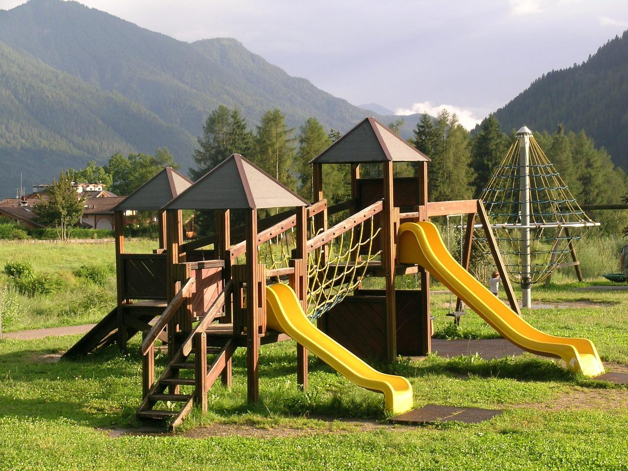 Parque infantil admifinca administraci n de fincas - Como hacer un parque infantil ...